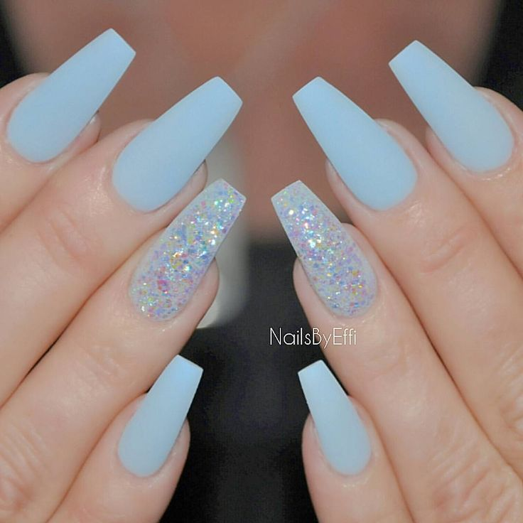 1ae44f15776f8f8e24bf0beb7018e495--glitter-gel-nail-bar.jpg
