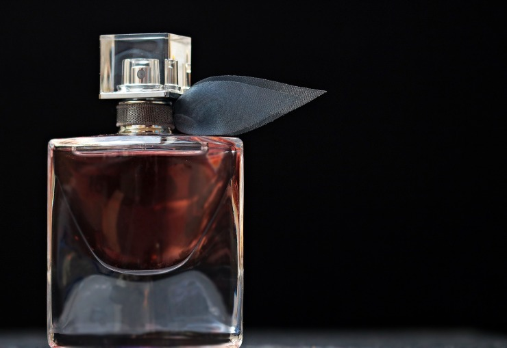 perfume-2142817_1920