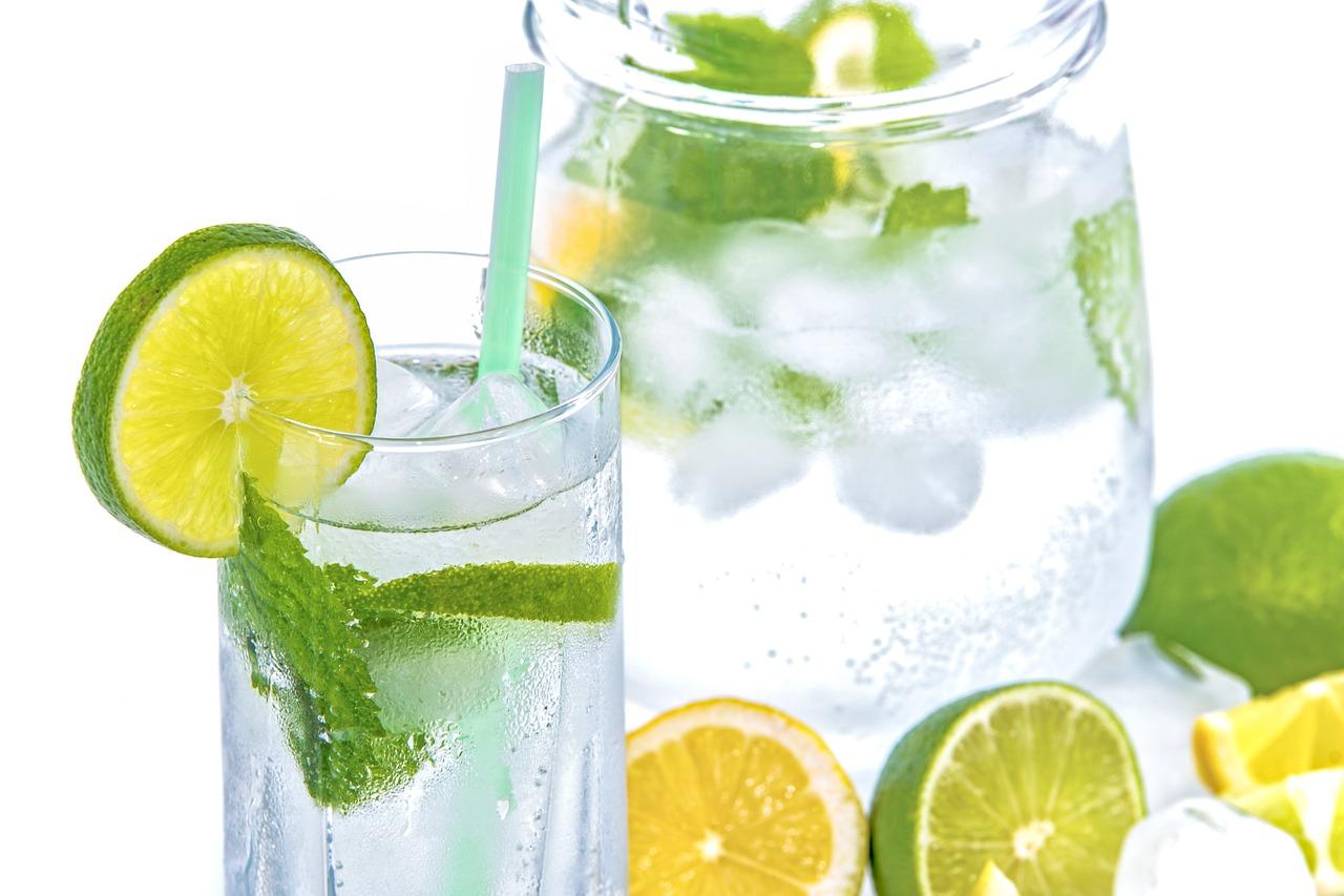 mineral-water-1532300_1280.jpg
