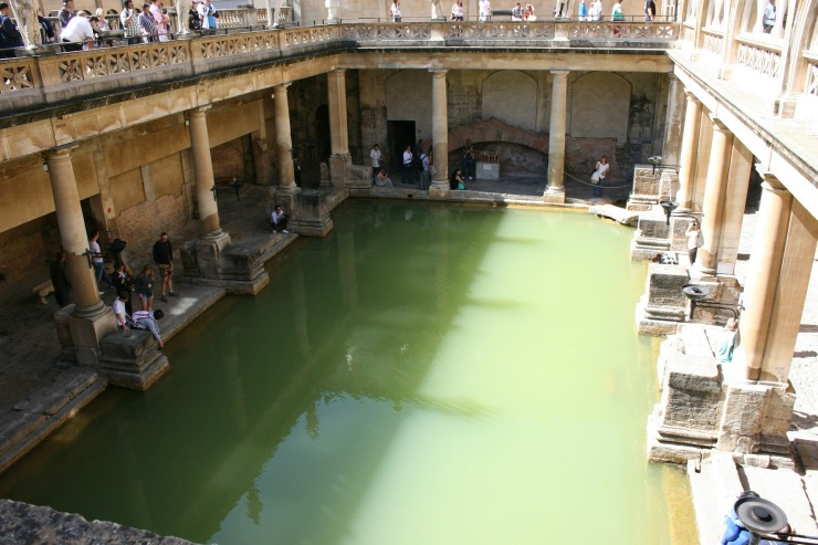 roman-baths-252279_1920.jpg